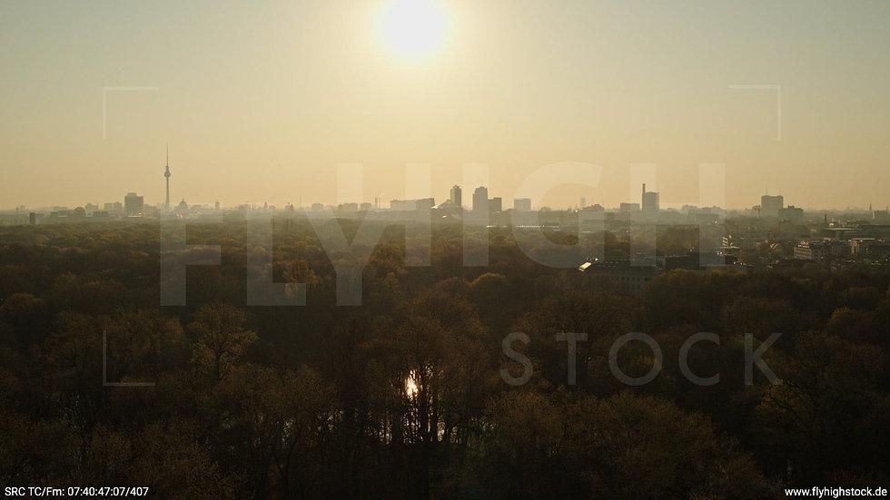 Berlin Tiergarten Skyline Hub morgens 13