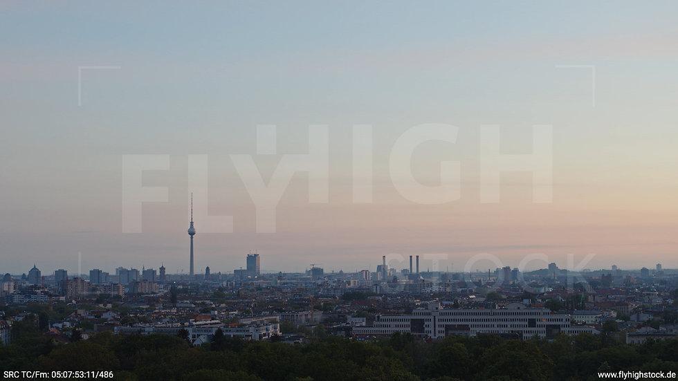 Berlin Hasenheide Skyline Hub morgens 2