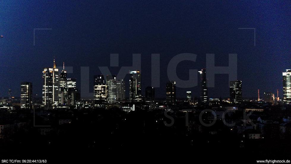 Frankfurt Grüneburgpark Zuflug Skyline nachts 7
