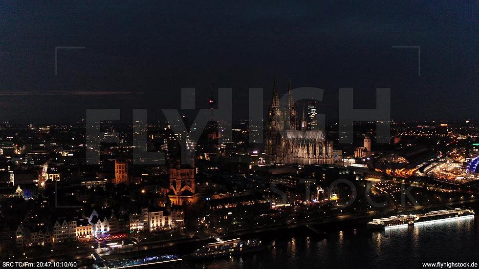 Köln Kennedy-Ufer Skyline Parallelflug abends 3
