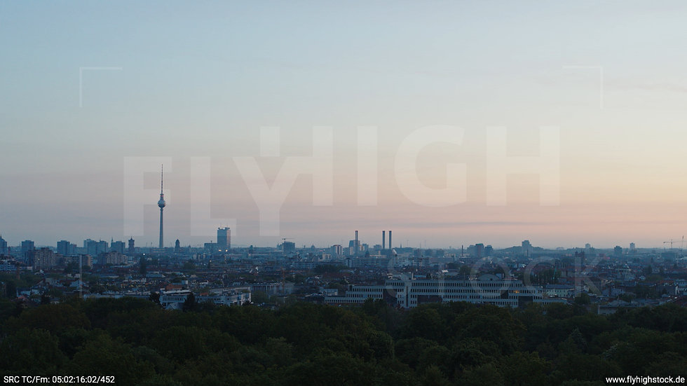 Berlin Hasenheide Skyline Hub morgens