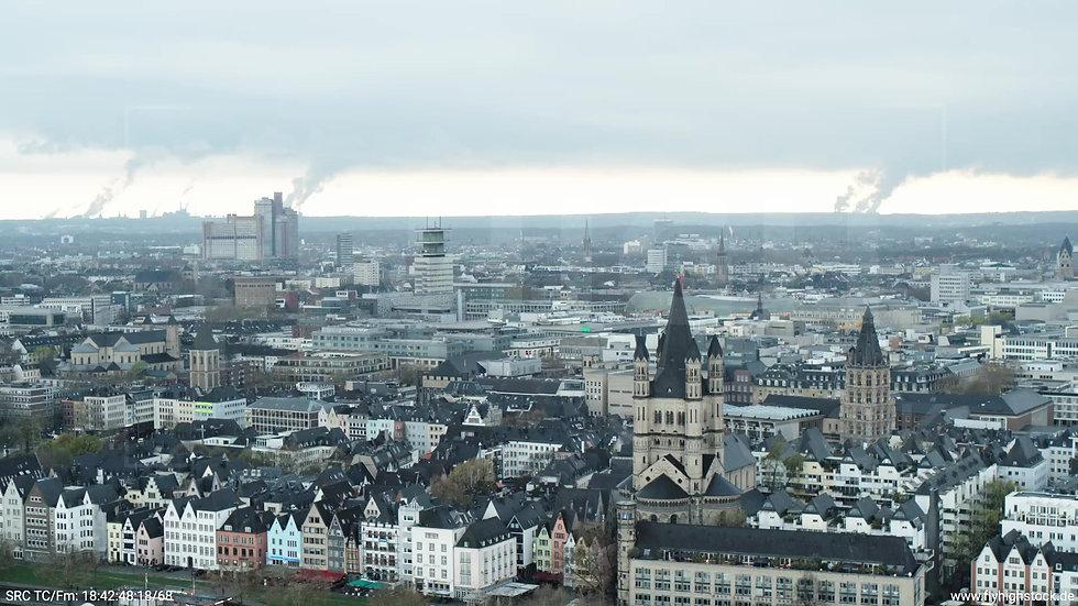 Köln Kennedy-Ufer Skyline Zuflug tagsüber 4