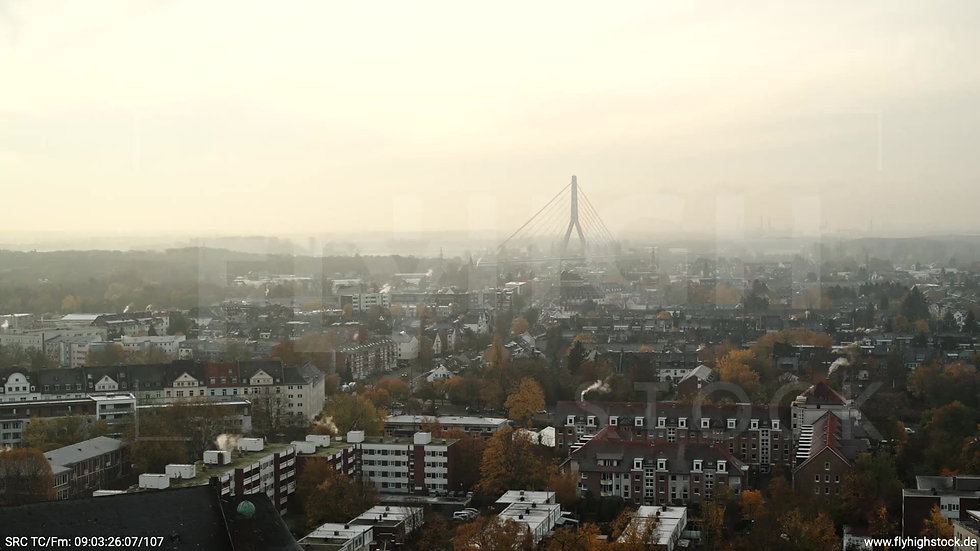 Düsseldorf Sternwartpark Fleher Brücke Parallelflug tagsüber F005_C012