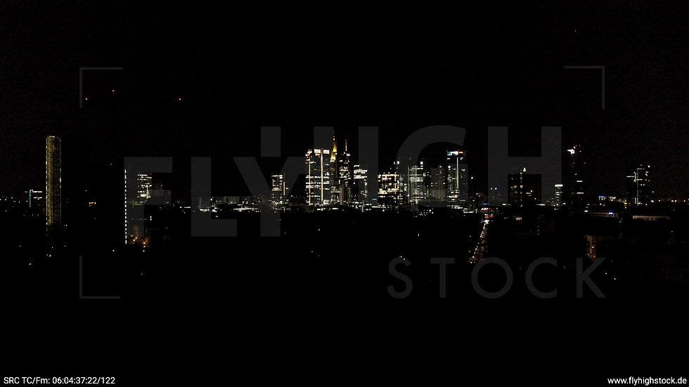 Frankfurt Grüneburgpark Zuflug Skyline nachts
