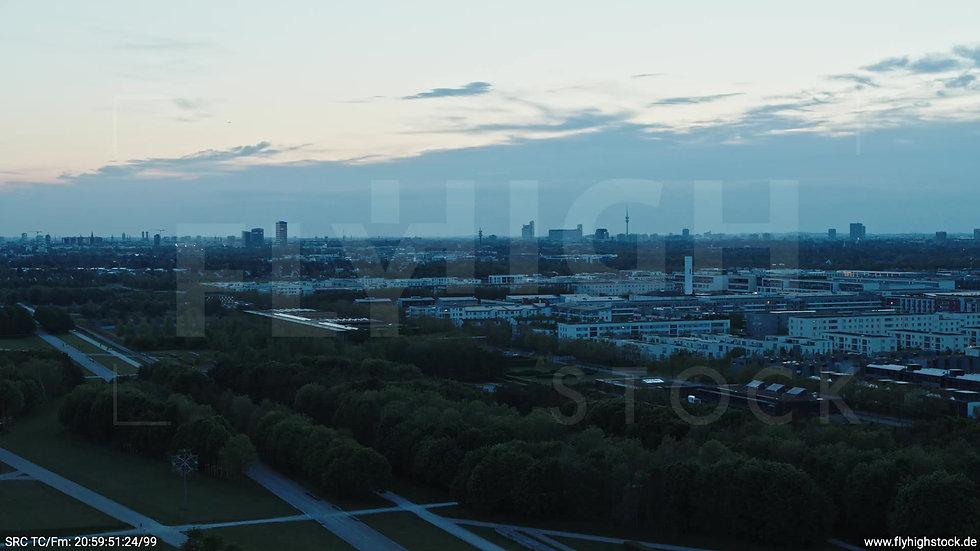 München Riemer Park Skyline Rückflug abends 3