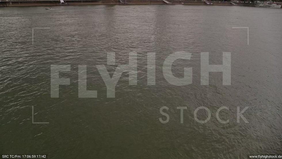 Köln Kennedy-Ufer Zuflug nach oben C035_C006
