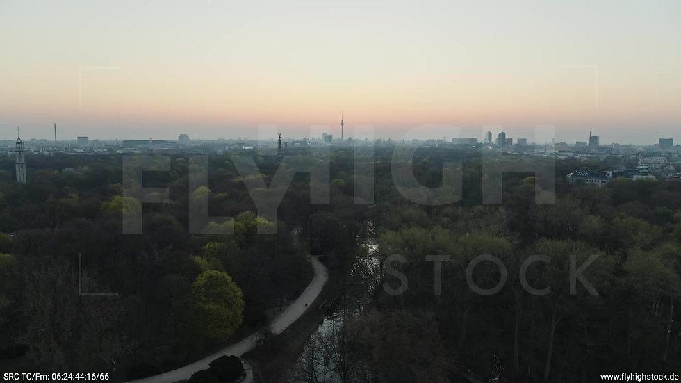 Berlin Tiergarten Skyline Zuflug morgens 5