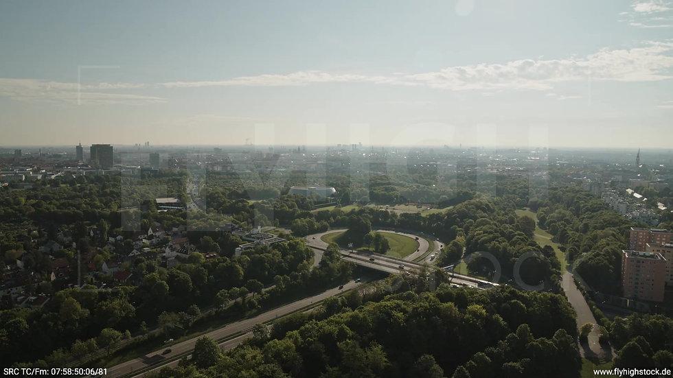 München Westpark West Skyline Zuflug nach unten tagsüber