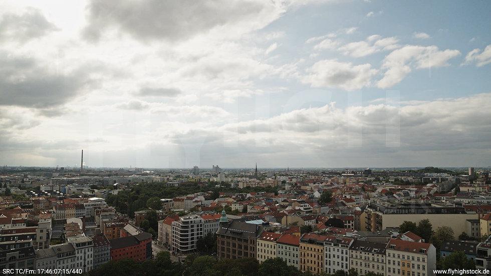 Berlin Volkspark am Weinberg Skyline Hub tagsüber