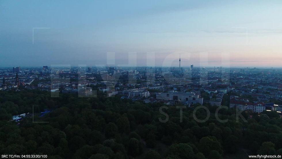 Berlin Hasenheide Skyline Parallelflug morgens 3