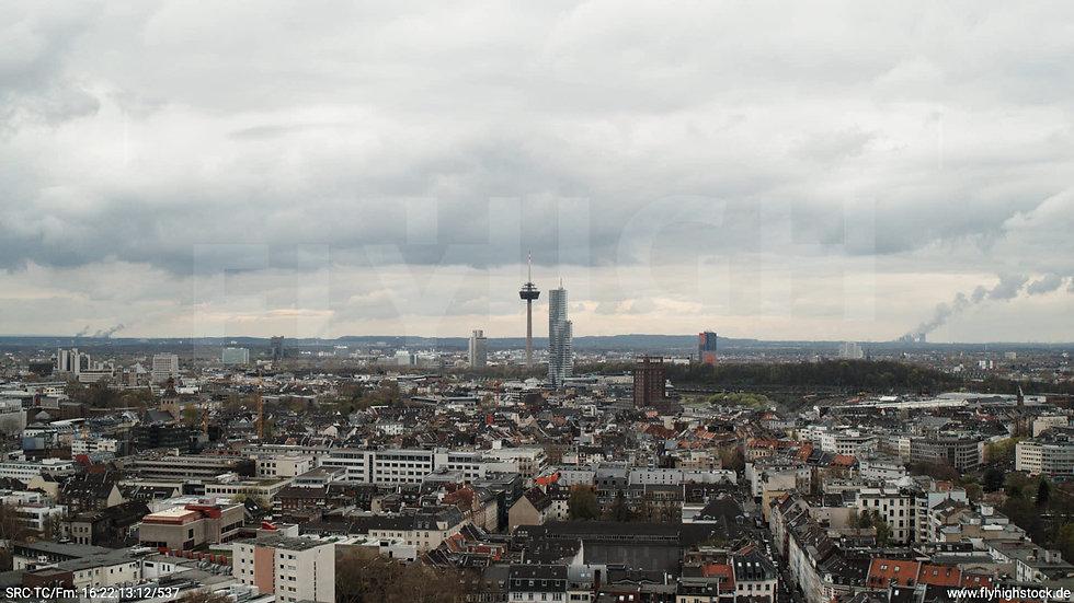 Köln Westufer Skyline Hub tagsüber 2