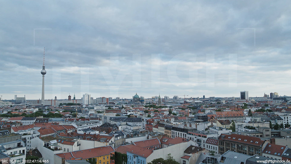 Berlin Volkspark am Weinberg Alexanderplatz Skyline Hub abends 4