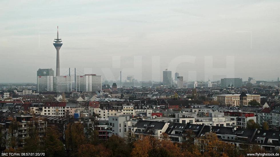 Düsseldorf Sternwartpark Skyline tiefer Zuflug morgens F005_C007