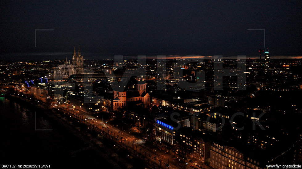 Köln Westufer Skyline Hub abends 8