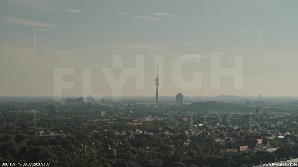 München Hirschgarten Olympiaturm Skyline Parallelflug morgens 3