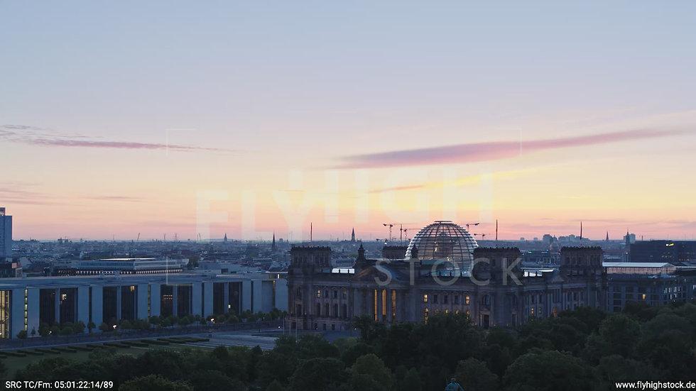 Berlin Tiergarten Reichstag Parallelflug morgens D028_C012