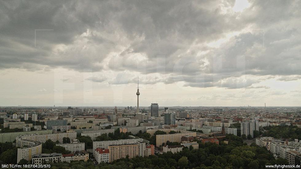 Berlin Volkspark Friedrichshain Alexanderplatz Skyline Hub tagsüber 3