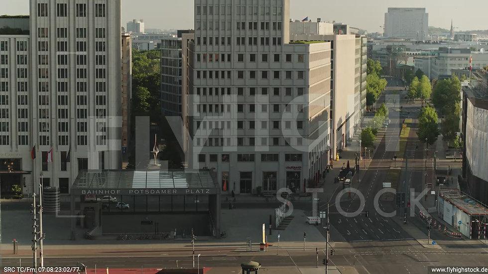 Berlin Potsdamer Platz Rückflug nach unten morgens D035_C014