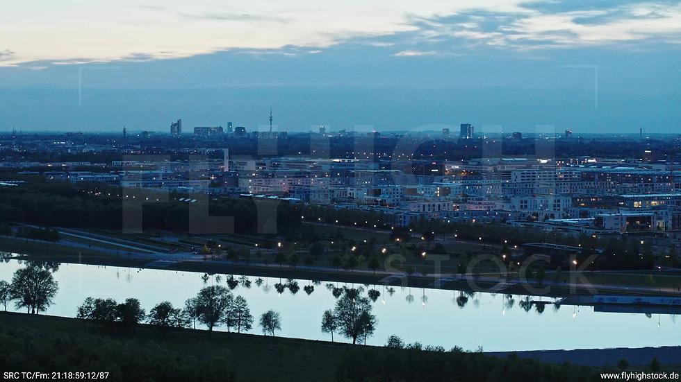 München Riemer Park Stadtteil-Shot Trudering-Riem Zuflug abends 4