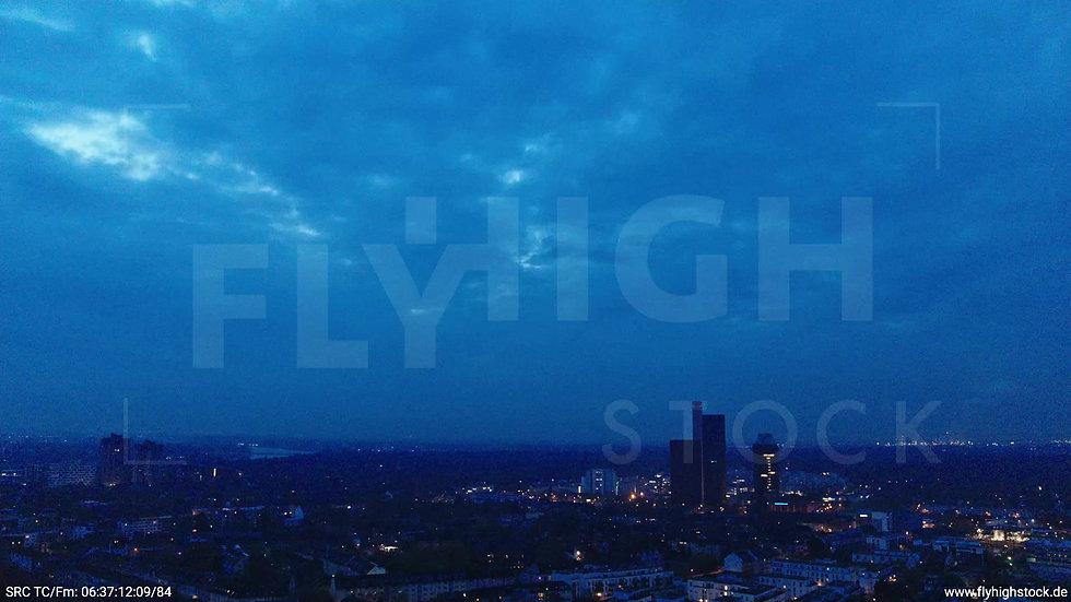 Köln Vorgebirgspark Funkhaus Skyline Rückflug morgens