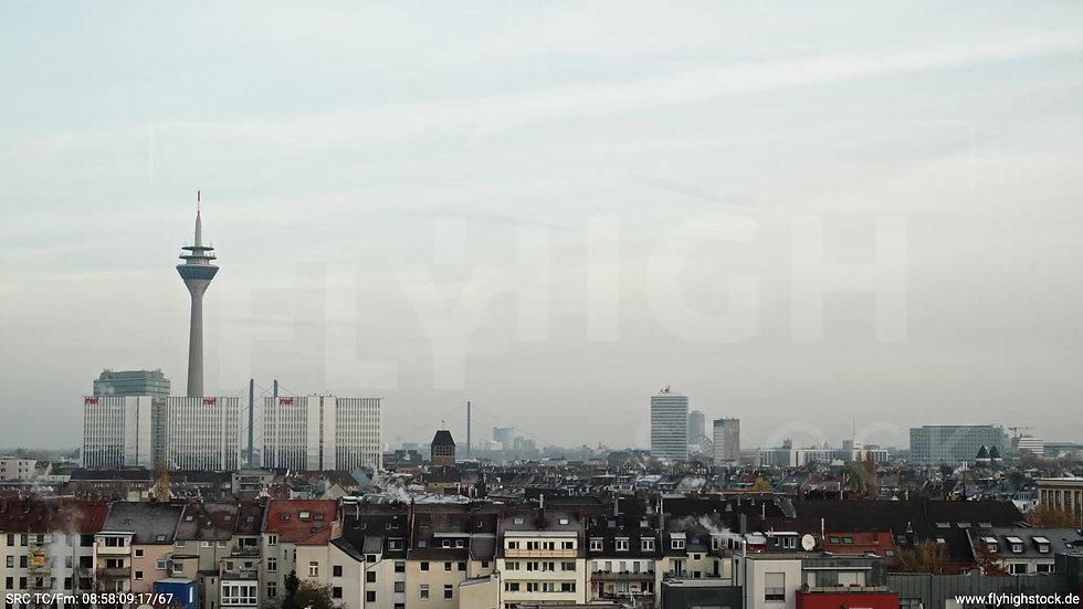 Düsseldorf Sternwartpark Skyline Rückflug nach oben morgens F005_C008