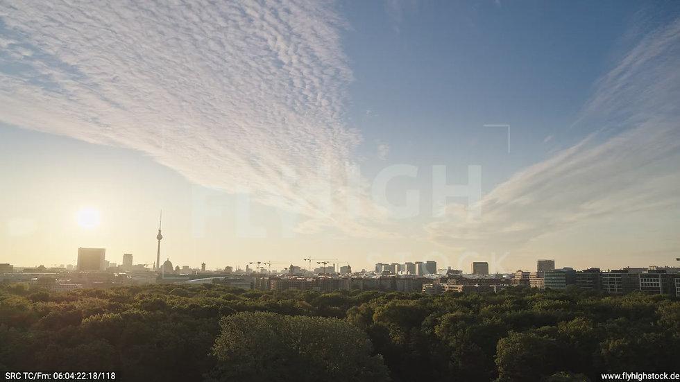 Berlin Tiergarten Ost Skyline Zuflug morgens D030_C002