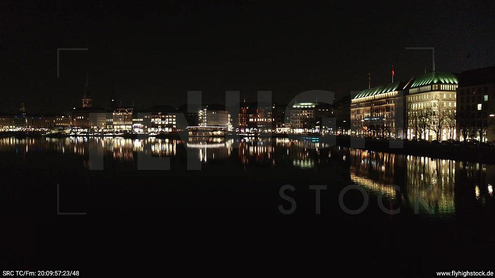 Hamburg Innenalster tiefer Zuflug nach oben Jungfernstieg nachts