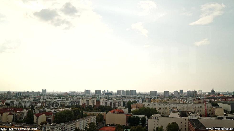 Berlin Köpenicker Str. Skyline Zuflug tagsüber D001_C033