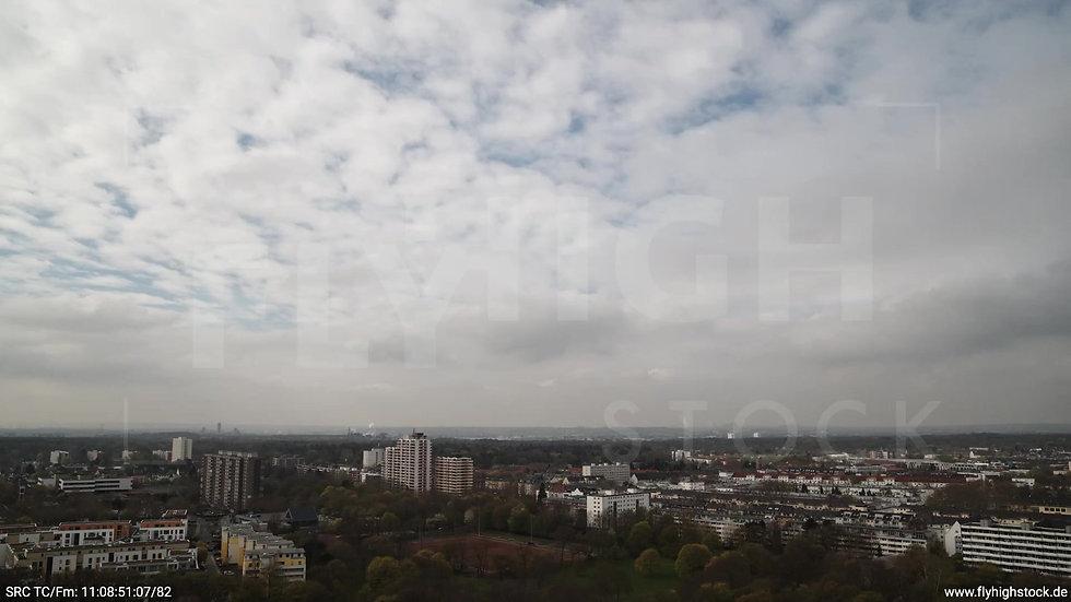 Köln Vorgebirgspark Zollstock Skyline Zuflug tagsüber