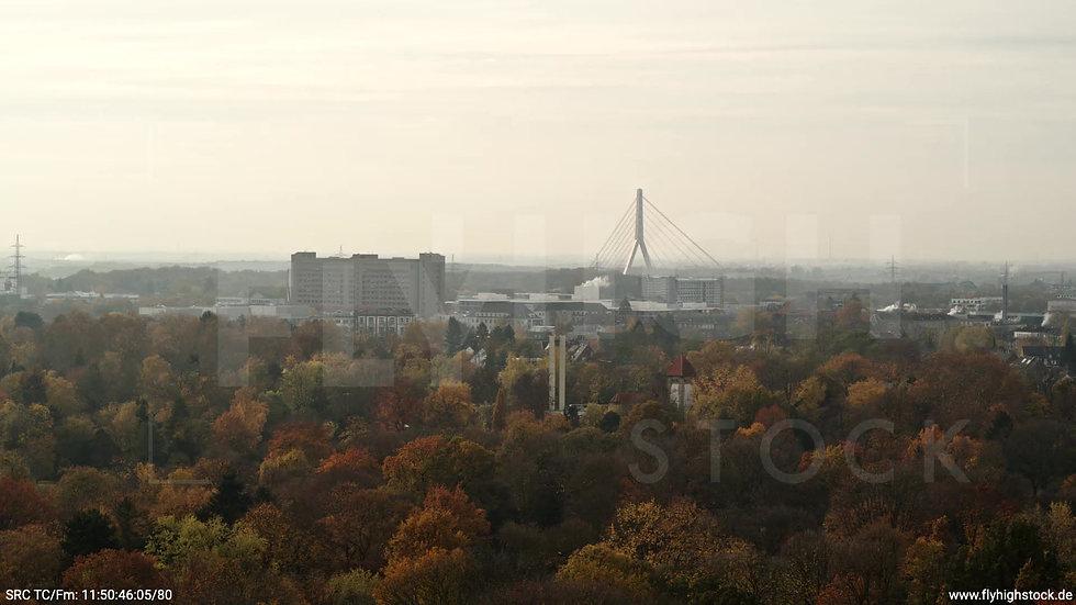 Düsseldorf Volksgarten Fleher Brücke Parallelflug tagsüber F006_C025