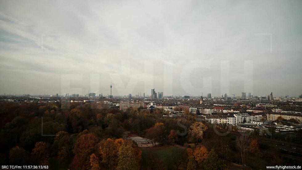 Düsseldorf Volksgarten Skyline tiefer Zuflug tagsüber F007_C004