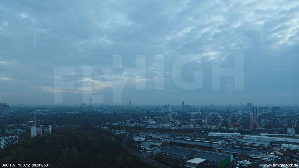 Köln Vorgebirgspark Skyline Hub morgens 3