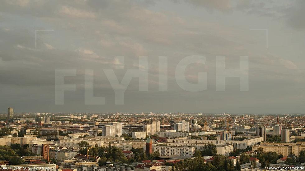 Berlin Volkspark Friedrichshain Stadtteil-Shot Zuflug n. u. abends