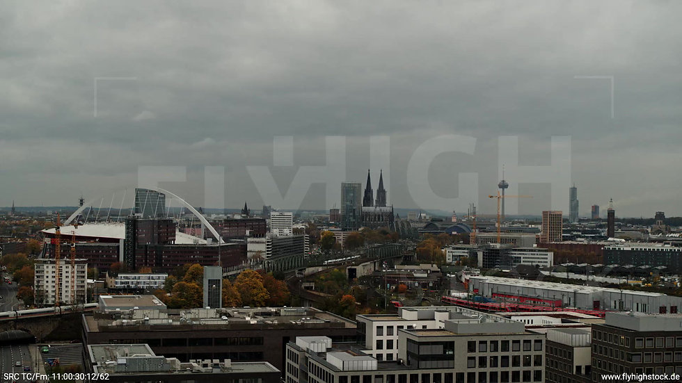 Köln Bürgerpark Kalk Skyline Parallelflug tagsüber C022_C014
