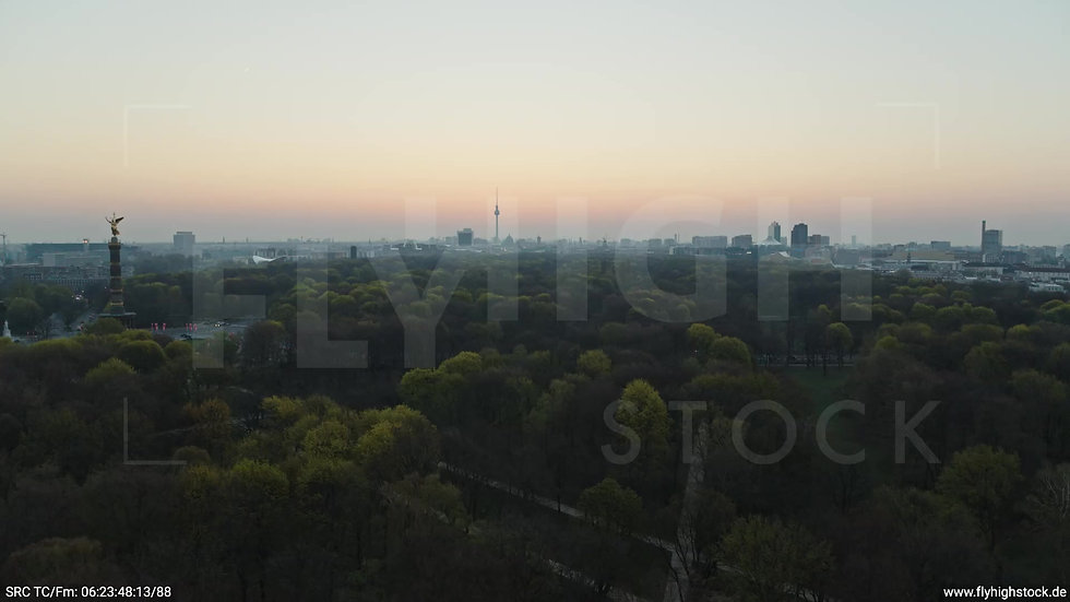 Berlin Tiergarten Skyline Rückflug morgens 4