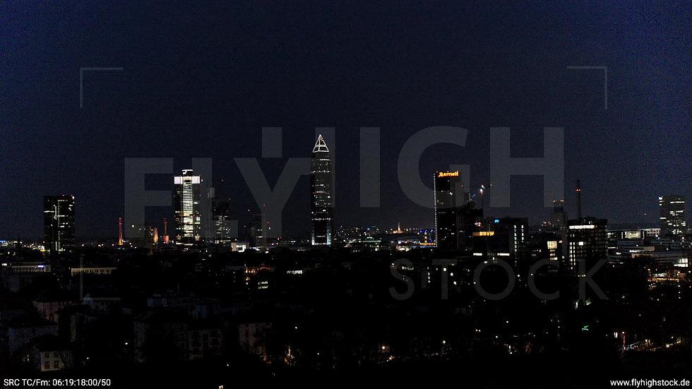 Frankfurt Grüneburgpark Zuflug Skyline nachts 6