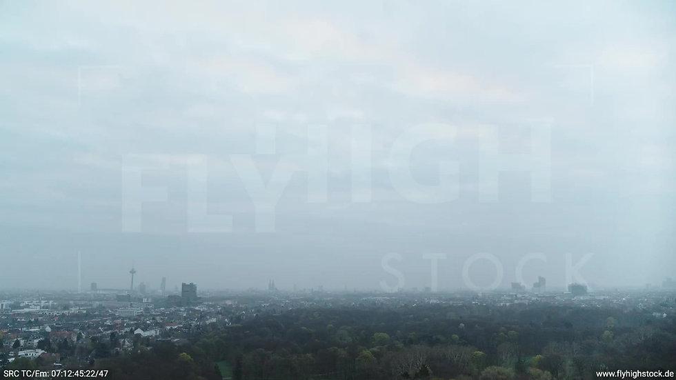Köln Stadtwald Skyline Zuflug morgens 3