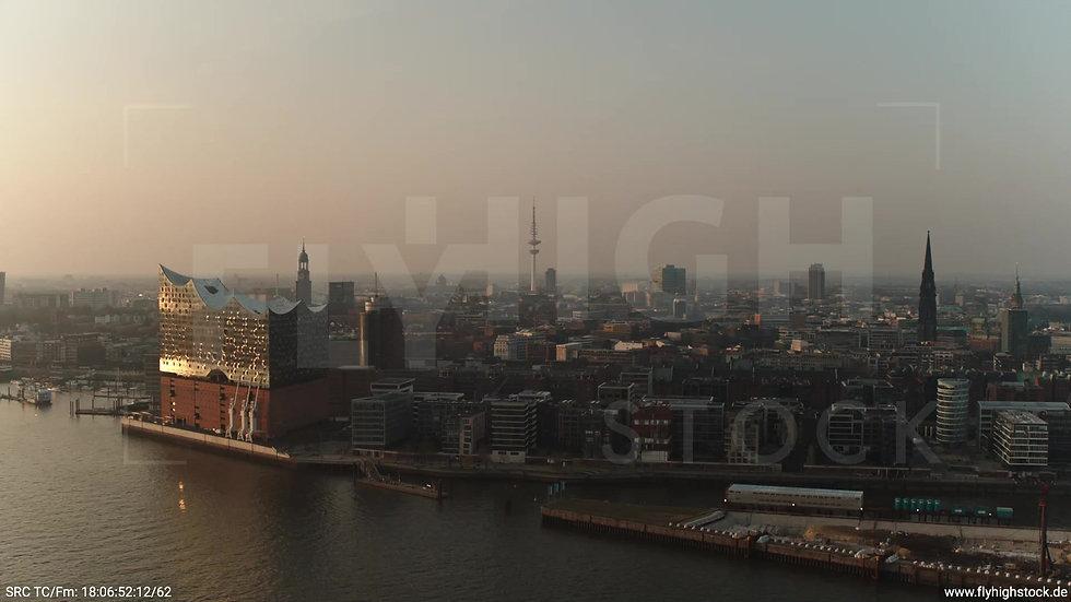 Hamburg Südwesthafen Rückflug Skyline abends