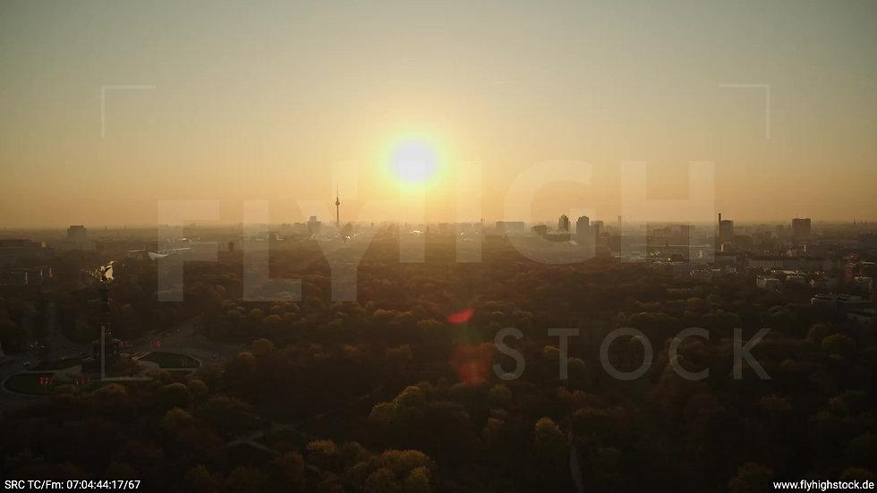 Berlin Tiergarten Skyline Rückflug morgens 12