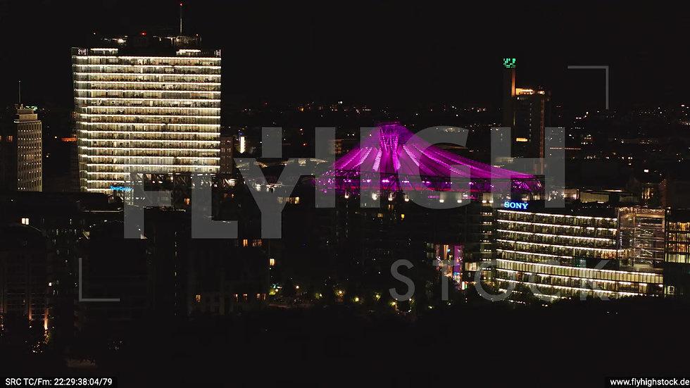 Berlin Tiergarten Sony Center Parallelflug nachts D044_C010