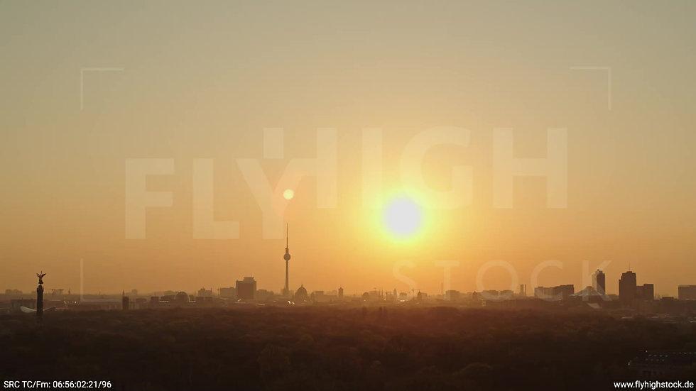 Berlin Tiergarten Skyline Parallelflug morgens 9