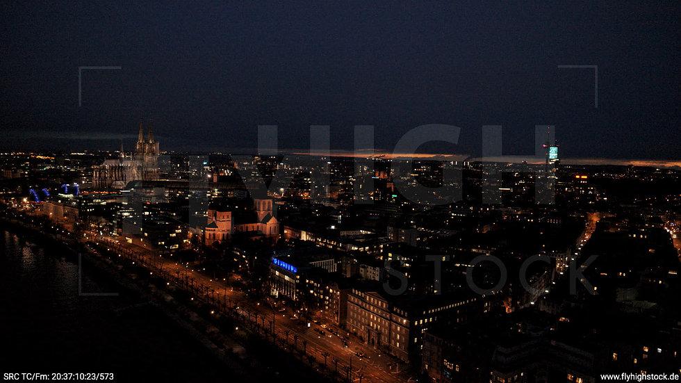 Köln Westufer Skyline Hub abends 7
