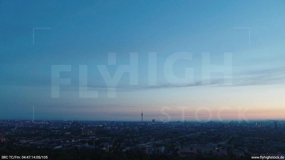 Berlin Hasenheide Skyline Zuflug morgens 2
