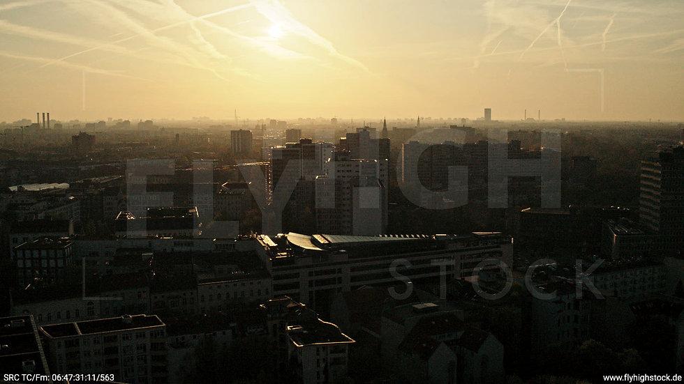 Berlin Hallesches Ufer Skyline Hub morgens