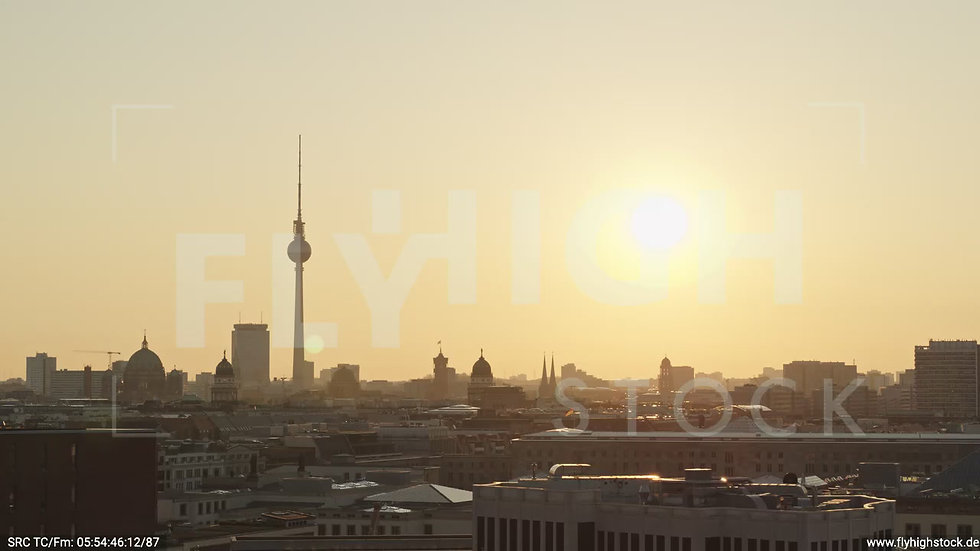 Berlin Potsdamer Platz Ost Skyline Parallelflug nach unten morgens D034_C019