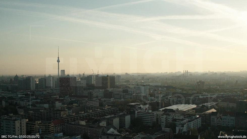 Berlin Hallesches Ufer Skyline Hub abwärts morgens