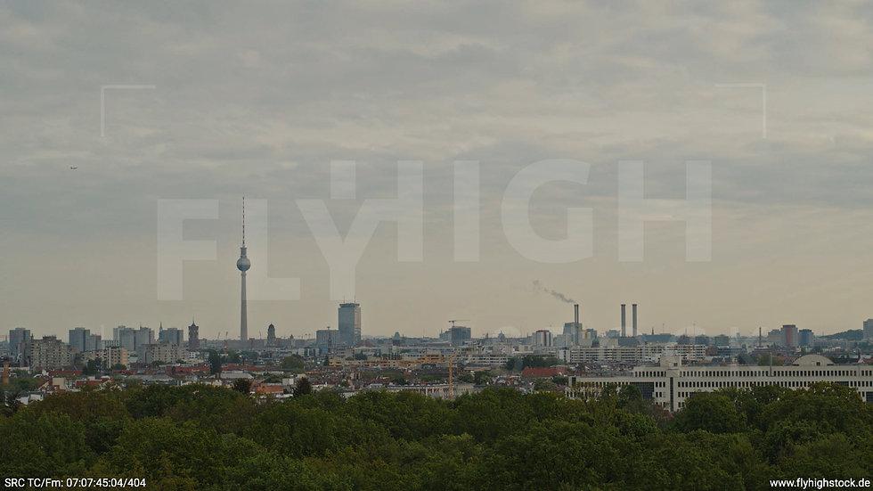 Berlin Hasenheide Skyline Hub morgens 7