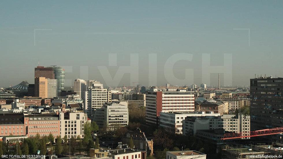 Berlin Hallesches Ufer Potsdamer Platz Skyline Parallelflug morgens