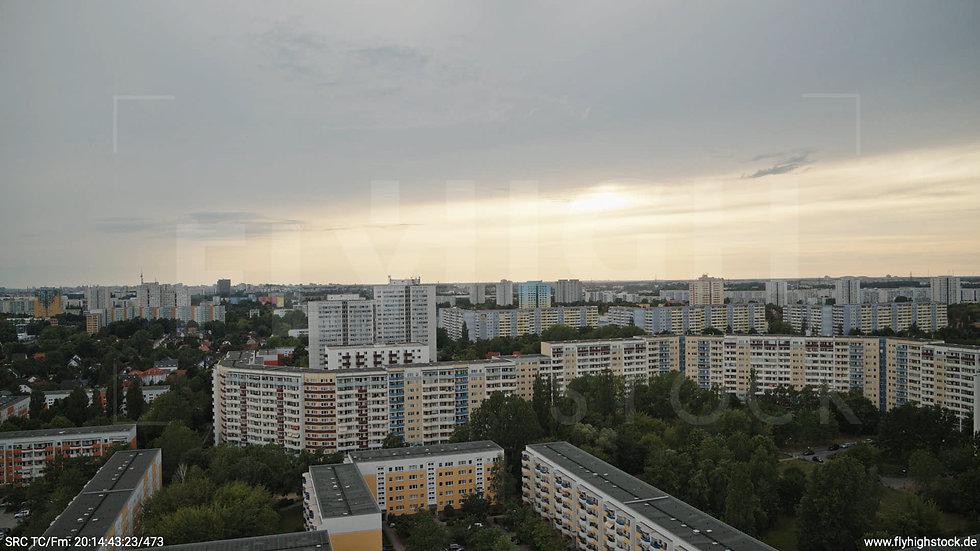 Berlin Marzahn Skyline Hub abends