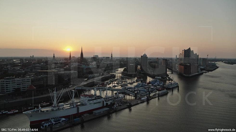 Hamburg Hafen Elbphilharmonie Parallelflug morgens 3